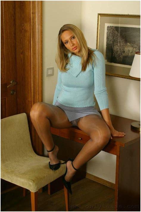 nude in skirts jpg 714x1072