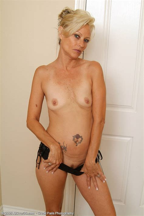 fuck naked older woman jpg 685x1024